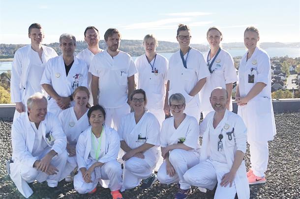 Gruppebilde av ansatte ved dialyseavdelingen.